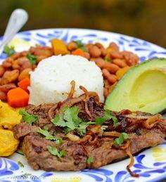 Bistec Encebollado (Steak with Onion Sauce)  mycolombianrecipes.com