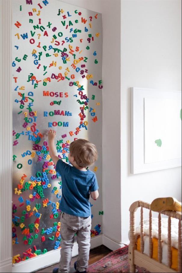 Essa ideia super legal, além de manter as pecinhas organizadas, estimula o aprendizado das crianças. Consiga esse esfeito com tinta magnética.