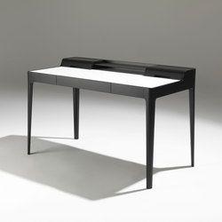 Schreibtisch mit einer Schublade aus massivem Nussbaum Canaletta, mit Ablage und versteckter Kabeldurchführung. Schreibunterlage oder Platte aus Cuoietto.