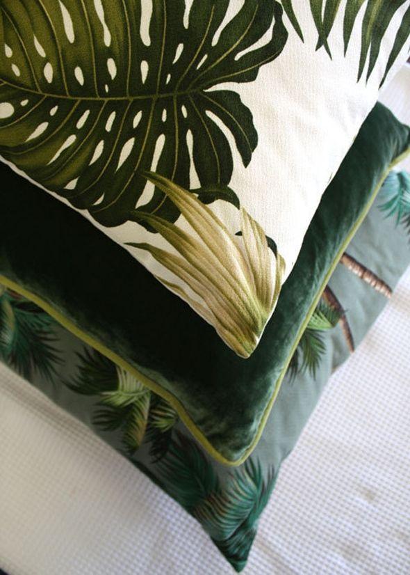 woonhome-moderne-trendy-decoratie-woonaccessoires-sierkussens-groen-planten-patroon