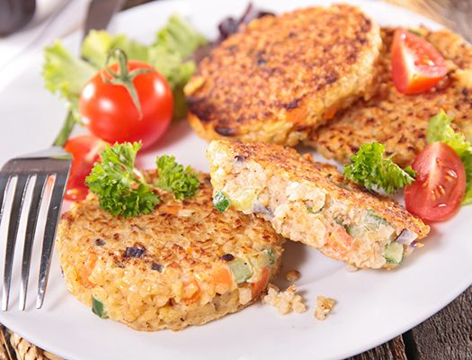 Котлетки из киноа с хумусом (15 легких блюд для завтрака, обеда и ужина весом менее 400 ккал! :) Рецепты :: SHAPE.ru