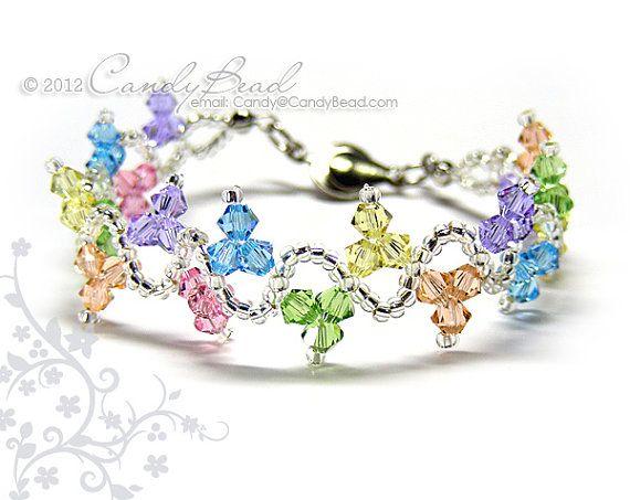 Swarovski Crystal Bracelet - bracelet arc-en-ciel vague douce avec fermoir bouton argenté.    Jai beaucoup darticles pour le meilleur Beadworks fait
