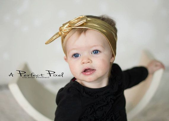 Gold top knot baby headband gold girls headband par PoshPeanutKids