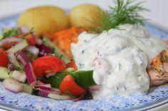 Dagens lunch blev ju då lax med kräfttzatziki & färskpotatis-helt galet gott. Detta kommer verkligen bli en favorit i sommar, mums! Du behöver till 4 portioner : 4 bitar lax salt & dill smör Servera med färskpotatis Recept kräfttzatziki: 2 1/2 dl turkisk yougurt 1 gurka 1 vitlöksklyfta salt & … Läs mer