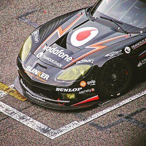 Comentaba Antonio García hace unos años que pilotar un Corvette de la categoría GT era más físico y exigente que su antiguo Aston Martin DBR9: este último más suave con el piloto aunque no menos rápido.  #thedrivetastic #drivetastic #spiriteddrive #corvette #chevrolet #antoniogarcia #astonmartin #astondbr9 #gtracing #imsa #gtopen #endurance #lemans #blancpain #prodrive #lemans24