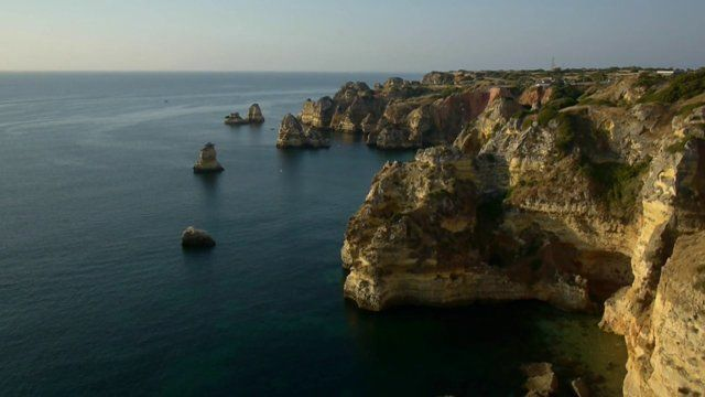 Discover Lagos and the Western Algarve, Portugal - video via RemoteRider