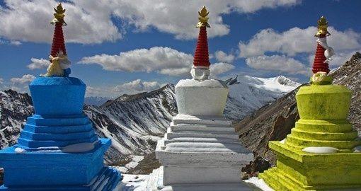 Three stupas high in the Himalayas | Nepal