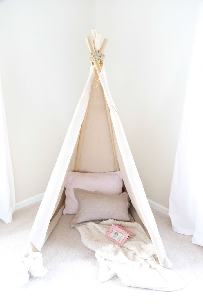 1 hour easy no sew teepee tutorial. Get the easy DIY details of this wigwam play…
