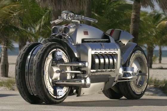 Equipada com motor de 8.3 V10, feito de alumínio, e que atinge mais de 512 cavalos a 5.600 rpm, a Do... - Foto: Reprodução