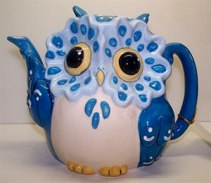 Owl Teapot Blue  /  This, I would love to have one like it.  Darling this is so cute
