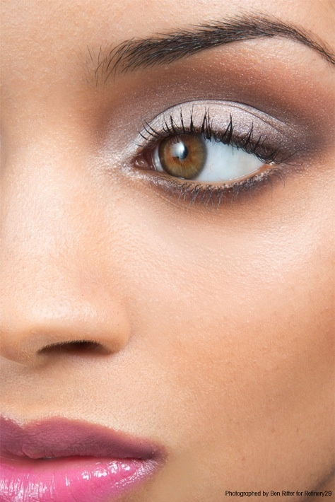 Refinery29 brings the NATURAL WHITE SHIMMER look to life. #sephoracollection  @Refinery29
