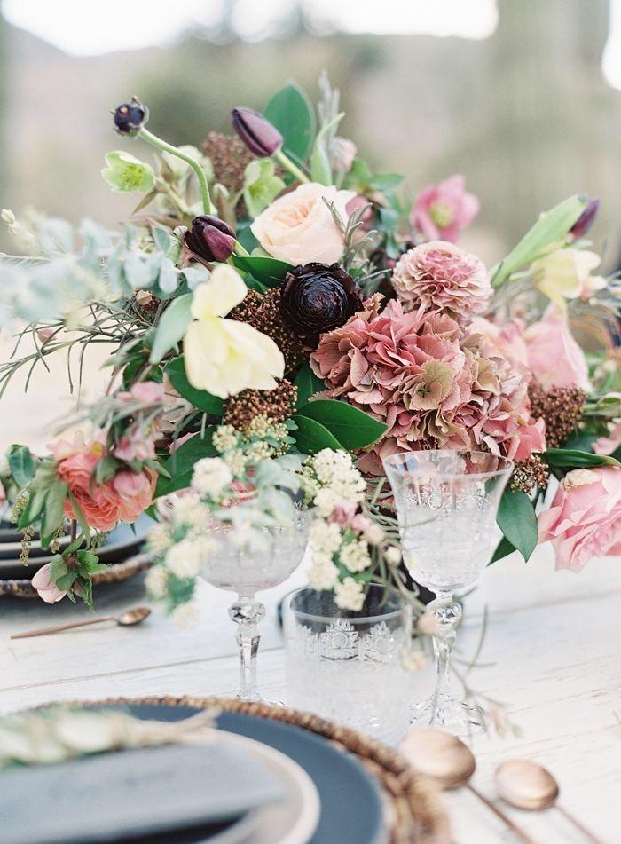 Organic Bohemian Desert Wedding Flowers Floraldessign Flowers Workshop Wedding Weddingdetails Centerpi Festival Wedding Desert Wedding Wedding Flowers