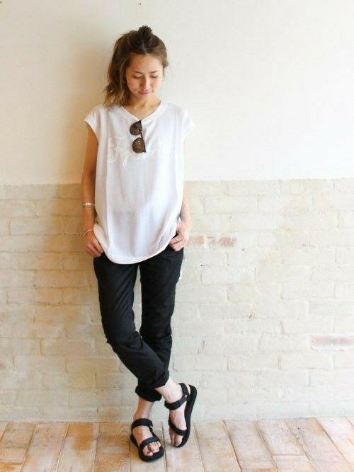 Spick & Span 本社|haruさんのTシャツ/カットソー「PE/フィット ロゴノースリ。」(FRAMeWORK|フレームワーク)を使ったコーディネートです。