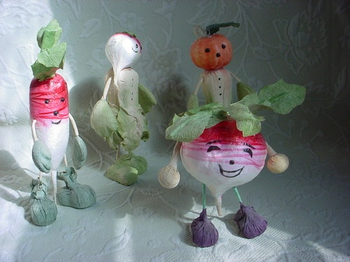 Whimsical free standing vegetable figures ~Whimsical Free, Whimsical Vegetables, Decor Finding, Vegetables Figures, Assorted Decor, Decor Decor, Stands Vegetables, Online Stores, Face Assorted
