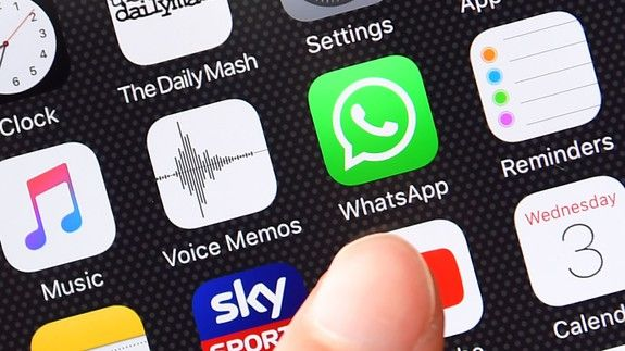 This fake WhatsApp app has been downloaded more than a million times