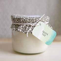 A tutorial for making handmade DIY Eco-Friendly Soy Wax Candles. (via Ruffled)
