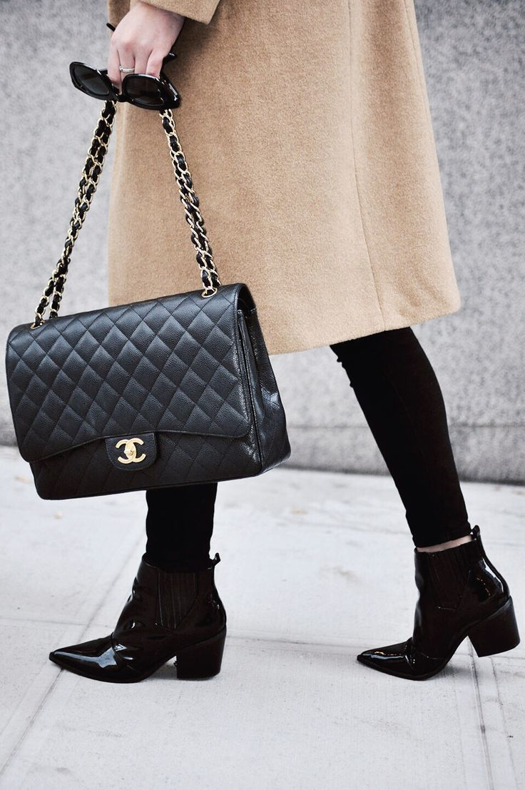 307 best coco chanel images on pinterest chanel bags chanel handbags and chanel fashion. Black Bedroom Furniture Sets. Home Design Ideas