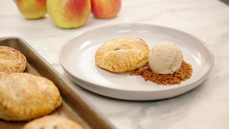 Bladerdeeggebakje met appel, mokka-ijs en speculaas | Dagelijkse kost