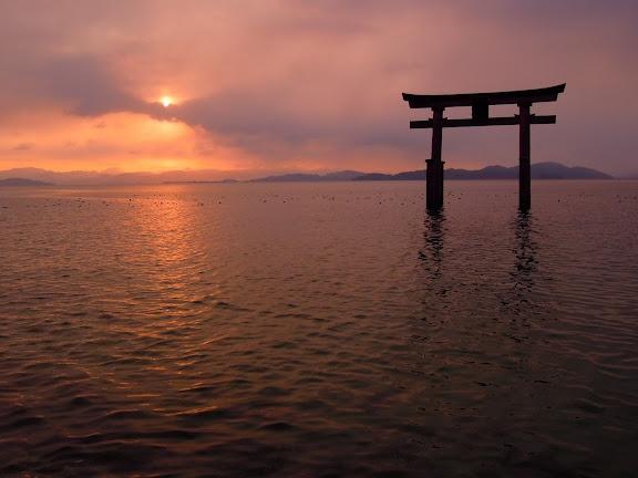 白鬚神社と日の出