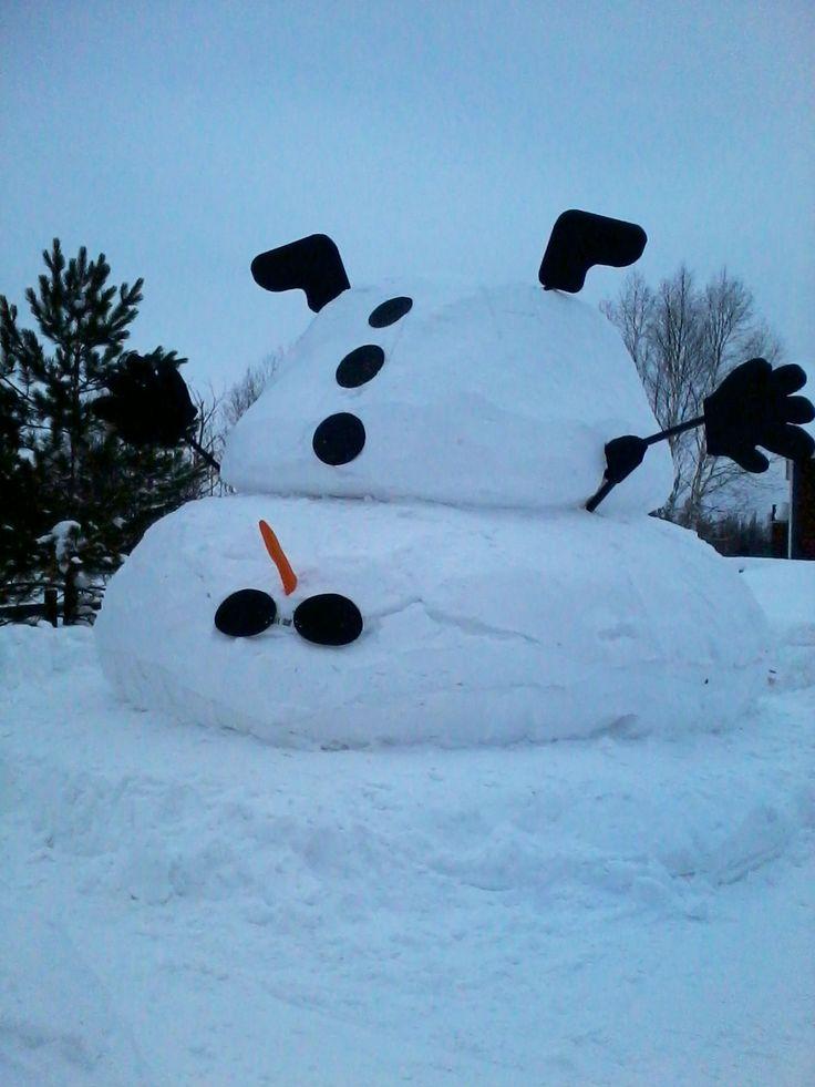 Snow decor, snowman, Christmas, outside Christmas decor, upside down snowman, snowman ideas.