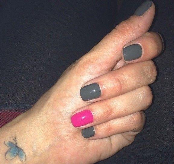 Tatuaggio colorato sul polso