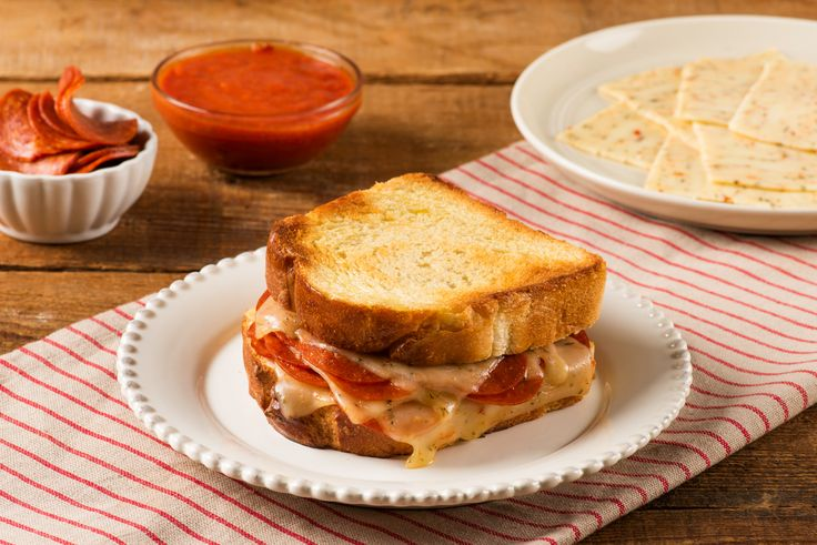 Italian Pepperoni Grilled Cheese | Sargento