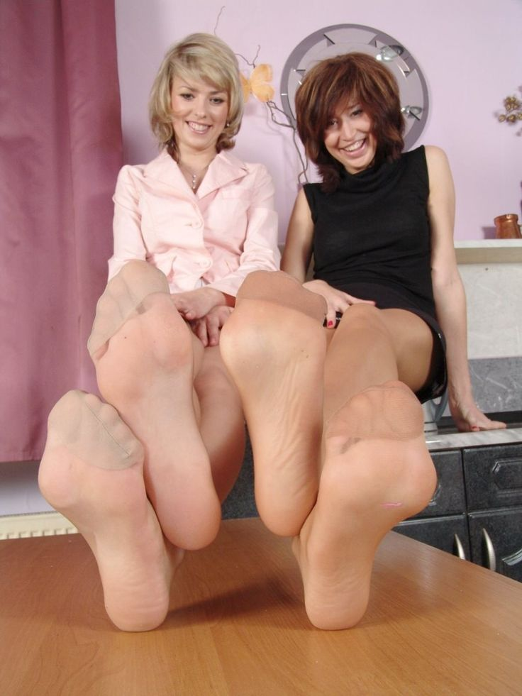 Sexy turn pretty girls pantyhose feet ass, tits and