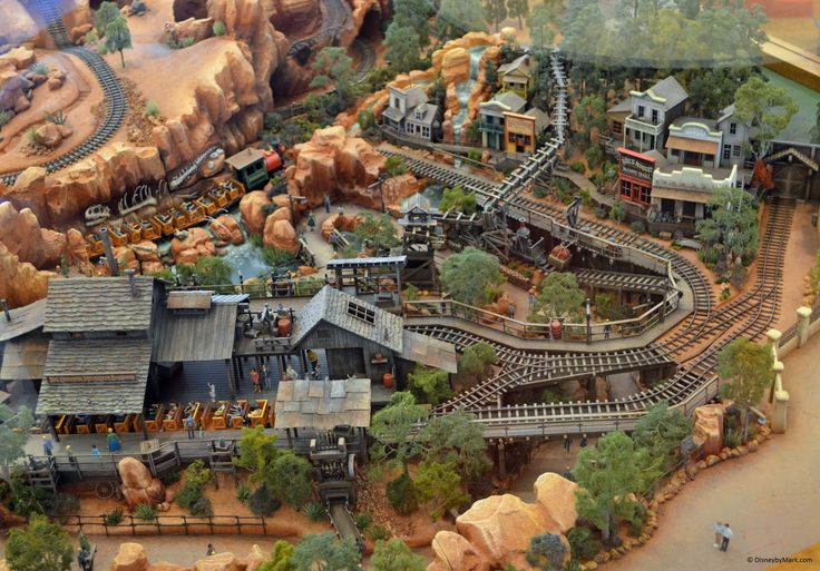 model railroad mountains | Big Thunder Mountain Railroad Model | Disney by Mark - Your ...
