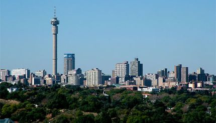 #Johannesburg, la città di #Mandela, è la città dei contrasti: architettonici, urbanistici e, soprattutto, etnici. L'immensa metropoli del #SudAfrica, trascorsa l''epoca delle miniere d''oro e di diamanti, vive oggi la nuova avventura di una 'integrazione che avanza