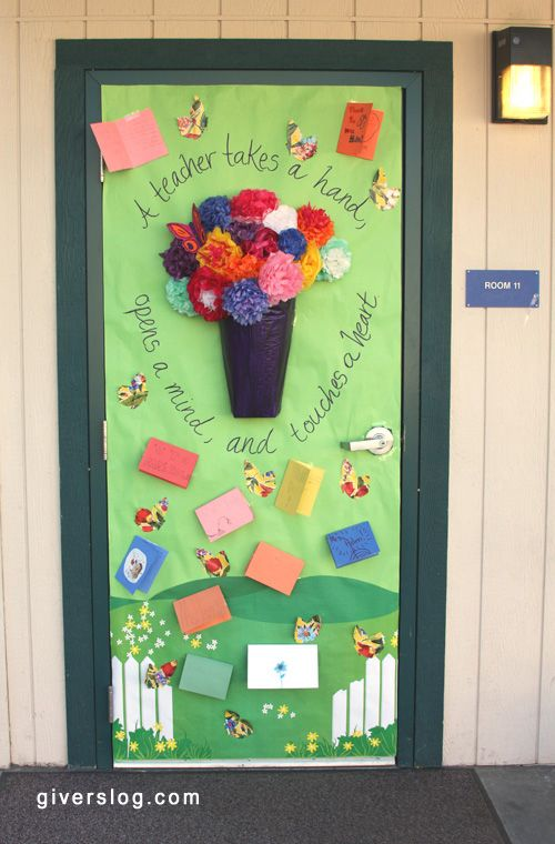 Ideas for decorating the classroom door as a way to say thanks to teachers