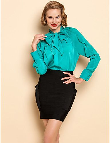 Como Utilizar un Vestido Corto con Blusa Encima - Para Más Información Ingresa en: http://vestidoscortosdemoda.com/como-utilizar-vestido-corto-con-blusa-encima/