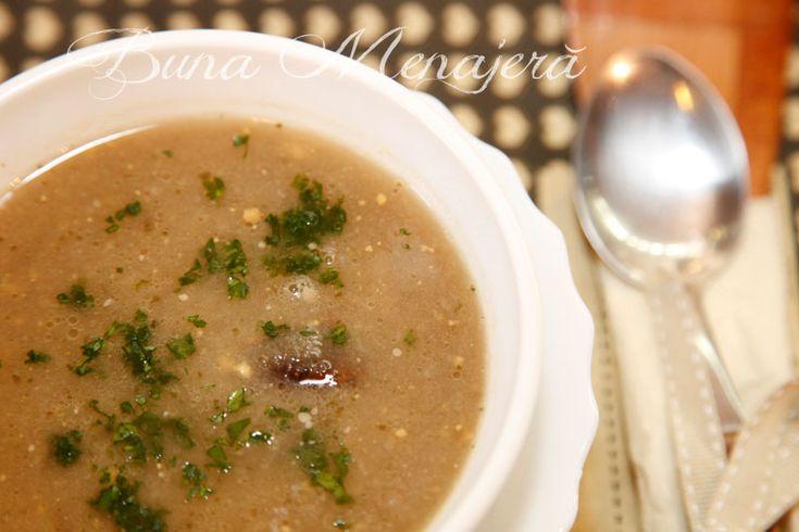 Este o supă cremă, cu un gust deosebit dat de combinaţia dintre ţelină, hribe şi ouăle fierte tari, toate cu arome puternice. Este o supă dulce, uşor picantă şi merge perfect servită cu crutoane cu unt, proaspete, făcute din pâine de casă.