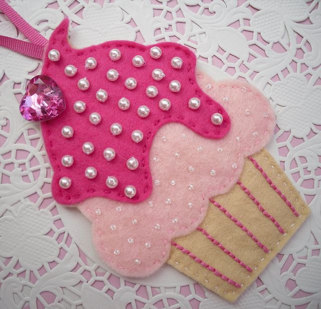 Felt cupcake decoration, via Flickr.