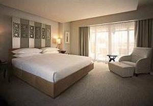 Verenigde Arabische Emiraten Dubai Dubai  Lage: Das elegante Hotel befindet sich im Herzen des lebhaften und geschäftigen Stadtzentrums von Dubai und grenzt an den attraktiven weltberühmten Dubai Creek Golf und Yacht Club. Den...  EUR 1577.00  Meer informatie  http://dubaiservice.eu http://ift.tt/1U3o6T7 #Dubai #arabischeemiraten