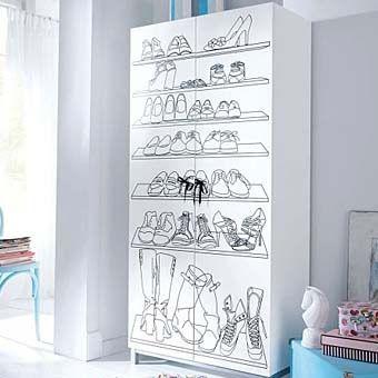 Если на дверцах шкафа для обуви нанести черным маркером графический рисунок, то вместо белого айсберга в вашей комнате, у вас получится стильный интерьер.