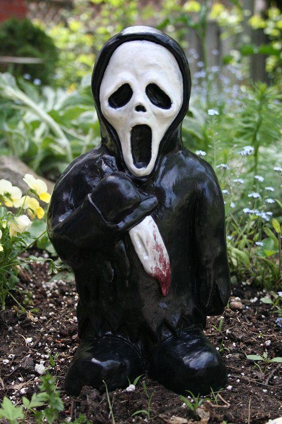 The Woodsboro Ripper - Horror Gnome