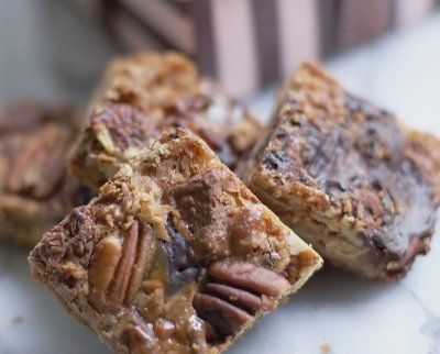 Dream Bars-An Old Family Favorite: Sweet, Dreams, Cookies Brownies Bars, Bars Recipe, Cookies Bars Brownies, Bar Recipes, Bar Cookies, Dessert, Dream Bars An