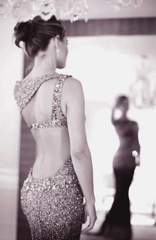 vestidos de gala: Open Back Dresses, Style, Backless Dresses, Low Back Dresses, Beautiful, Sparkle, Prom Dresses, The Dresses, Cut Outs