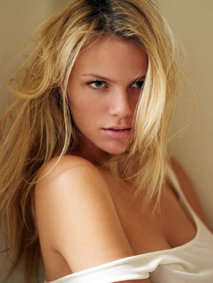 17 best images about brooklyn decker on pinterest sexy for Models brooklyn