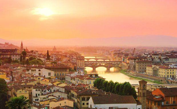 Florença, na Itália, ao pôr do sol