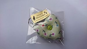HANDMADE-FABRIC-HEART-KEYRING-choose-from-22-designs-DOTTIE-FLORAL-SHABBY-CHIC