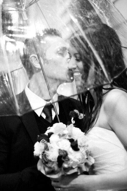 wedding: Under the umbrella!