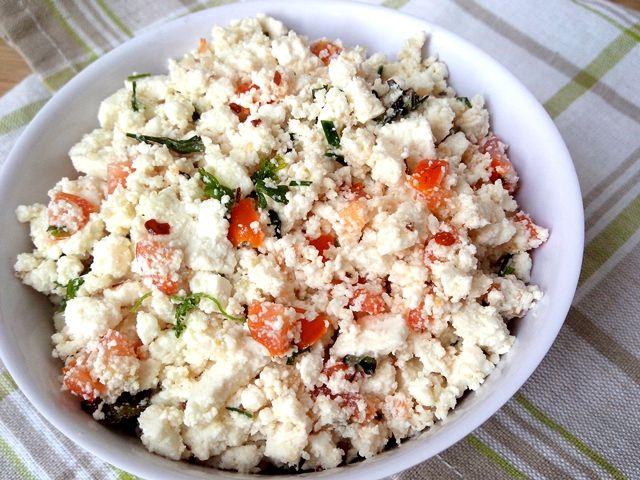 Ricota é um ingrediente coringa pois pode ser usada em quase tudo, de saladas a tortas, passando por molhos para massas ou carnes. É uma ótima fonte de proteínas e tem praticamente 0% de gor…