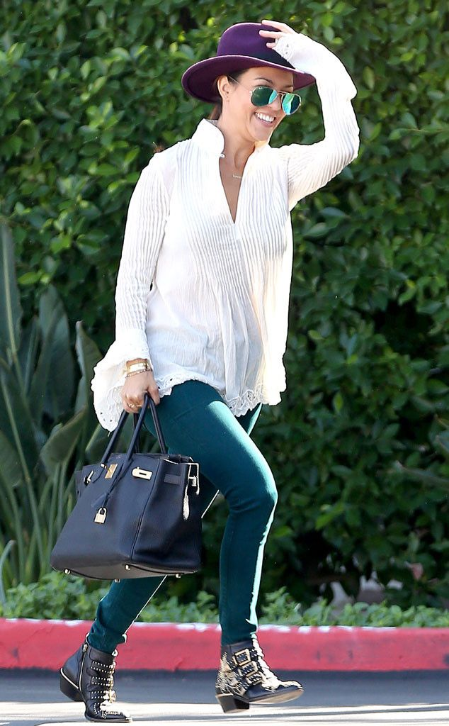 On the Run from Kourtney Kardashian's Mommy Style  Mommy-on-the-go time calls for easy green pants, flowy tops and chic wide-brim hats!