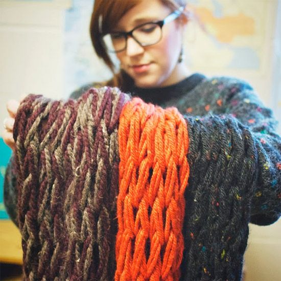 Learn how to arm-knit: quick & easy! This is just about the simplest DIY I have ever tried.