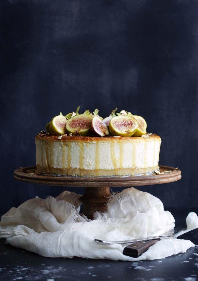 Italian Ricotta Cheesecake Recipe with Fresh Figs, Honey and Almond Crust! #cheecake #ricottacheesecake