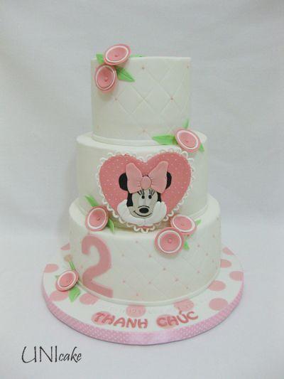 C168. Minni Hiiri taaperon syntymäpäiväjuhlaan. Minni Hiiri -kakku.  Minnie Mouse birthday cake.