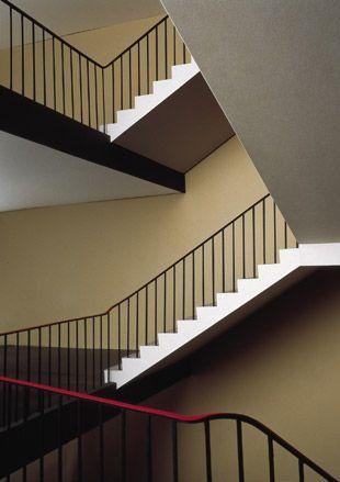 Thomas Demand, Staircase (Treppenhaus), 1995