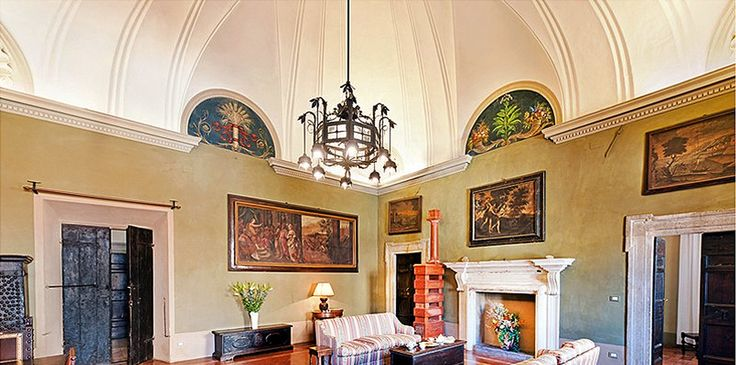 #Travel #Writing in a Palace offers more than a writer's retreat. Do what most of us only dream… Follow in the footsteps of travel writers Elizabeth Gilbert, Frances Mayes and Bill Bryson on this #creative holiday with award-winning author Claire Scobie. http://secretworldretreat.com/retreats/travel-writing-in-a-palace