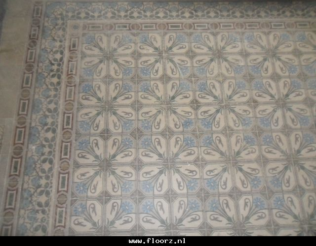 Oude,antieke vloertegels C75. Collectie FLOORZ Antique floor tiles. Collection FLOORZ
